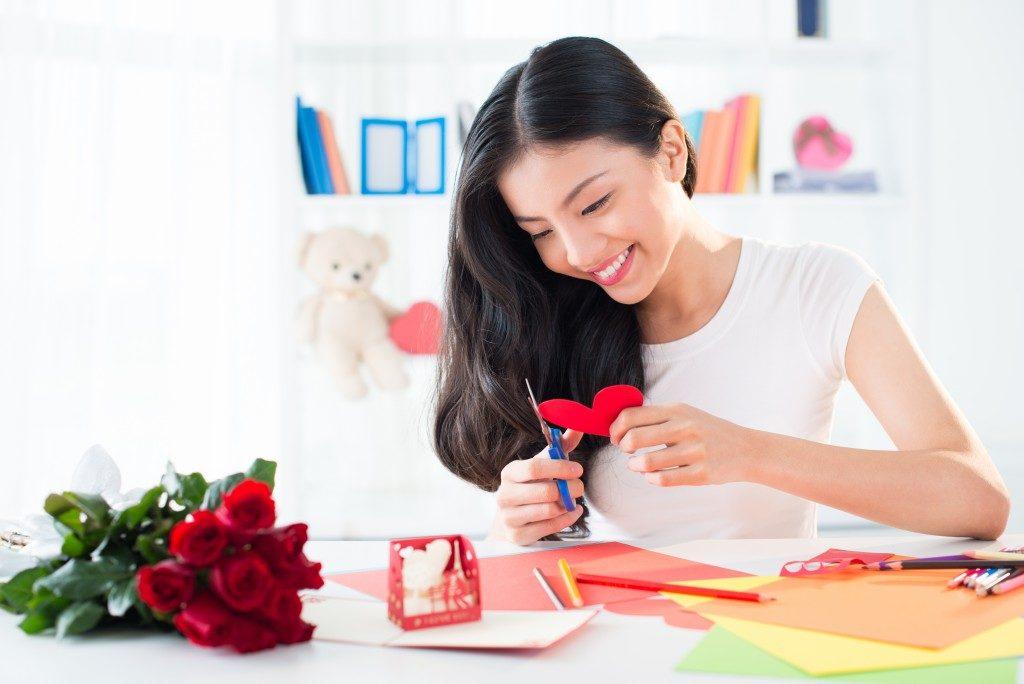 woman doing DIY crafts