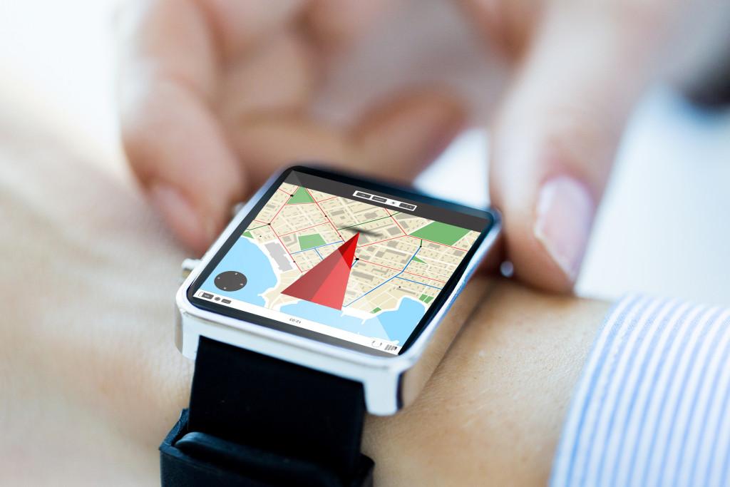 GPS tracker on smart watch