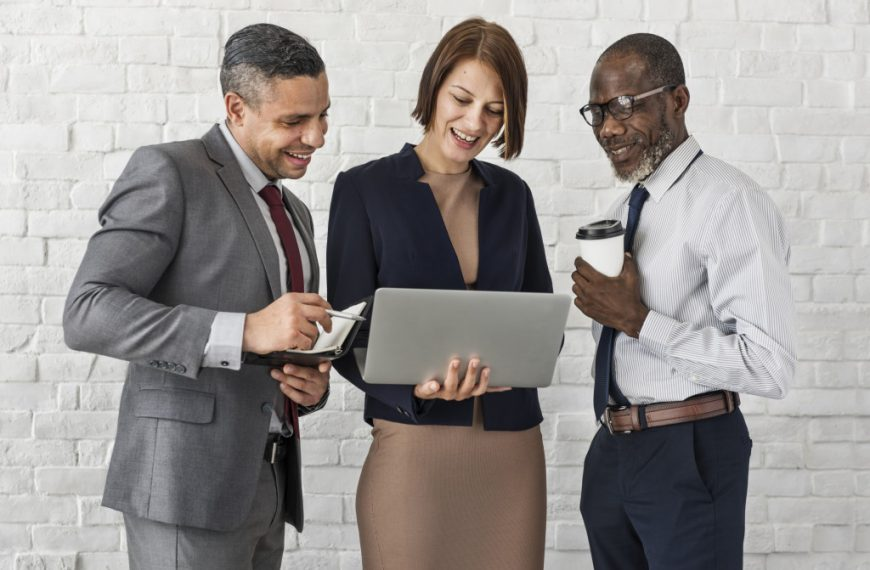 Top Ways Technology Enhances Communication for Businesses